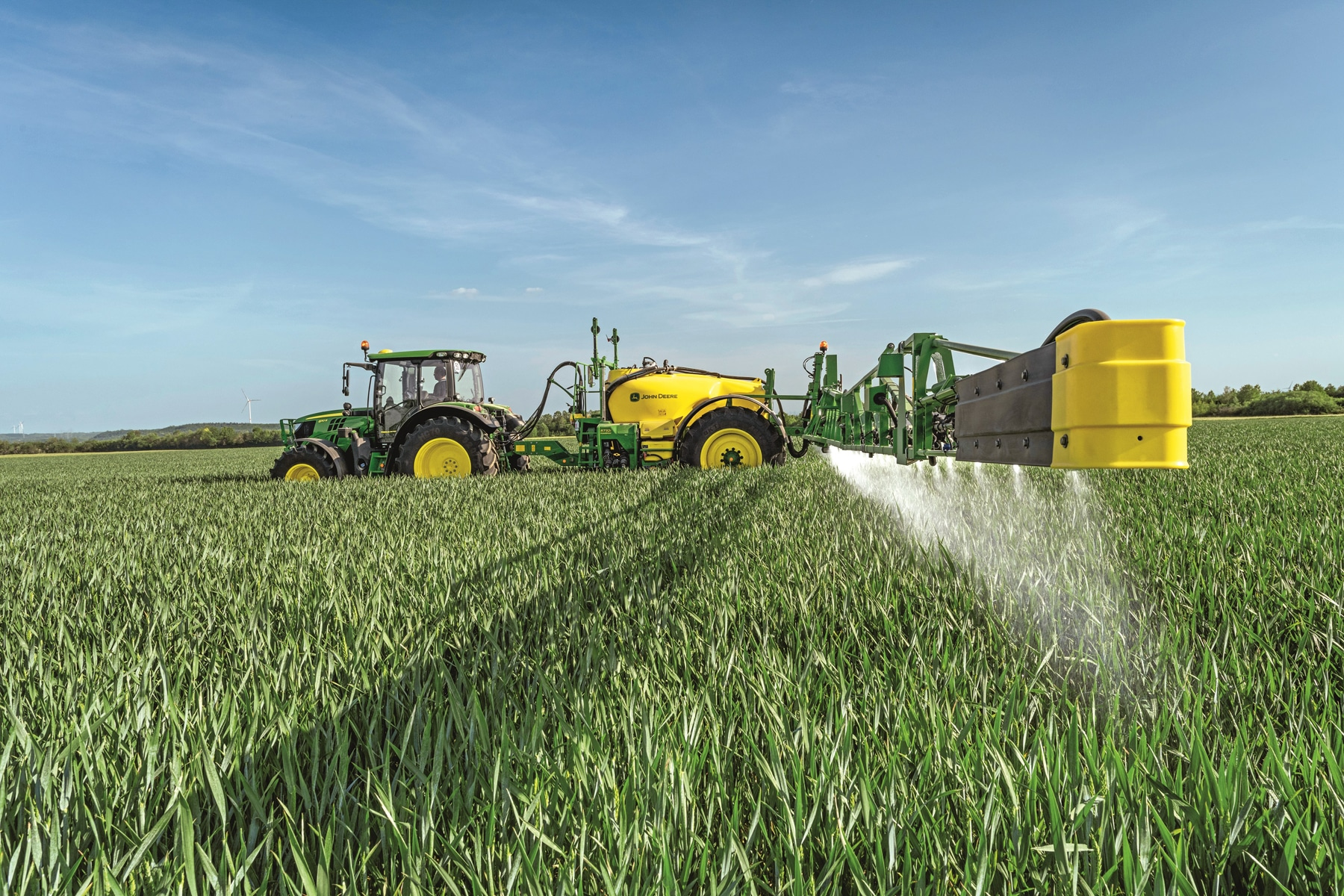 Compact sprayers with premium features